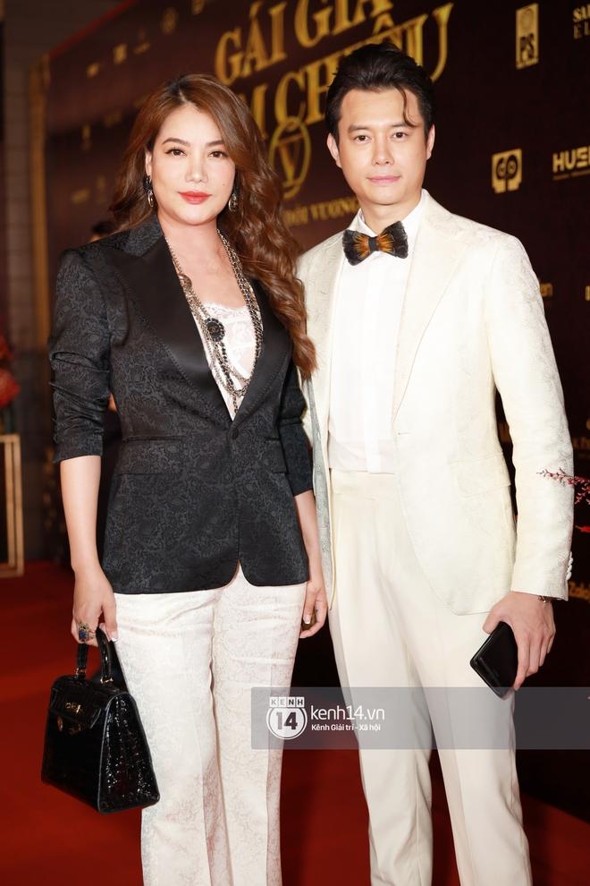 2 couple chị em hot nhất Vbiz phát cẩu lương trá hình trên thảm đỏ: Cái ôm eo của Lâm Bảo Châu cho Lệ Quyên chiếm spotlight - ảnh 1