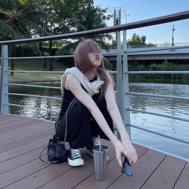 Xem ảnh mới của Thiều Bảo Trâm, dân tình lại soi ngay ra dùng lại đồ đôi với Sơn Tùng M-TP? - ảnh 3