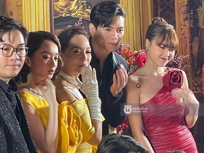 Lan Ngọc chính thức lộ diện trên thảm đỏ Gái Già Lắm Chiêu sau drama clip nóng, ấm lòng nhất là cái ôm an ủi của dàn sao - ảnh 6