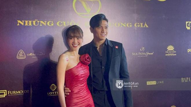 Lan Ngọc chính thức lộ diện trên thảm đỏ Gái Già Lắm Chiêu sau drama clip nóng, ấm lòng nhất là cái ôm an ủi của dàn sao - ảnh 7