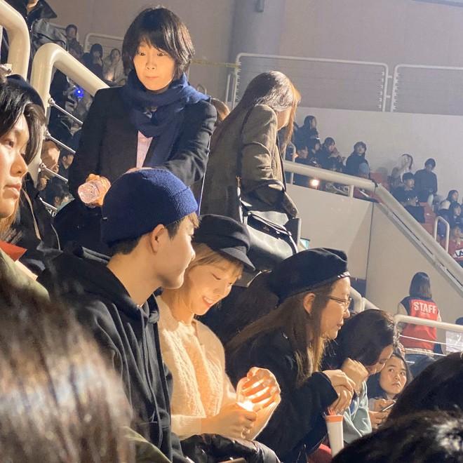 Bức ảnh hot nhất hôm nay: Camera mờ nhòe nhưng Jisoo - Sunmi vẫn đọ sắc cực gắt, Taeyeon trắng phát sáng chiếm luôn spotlight - ảnh 5