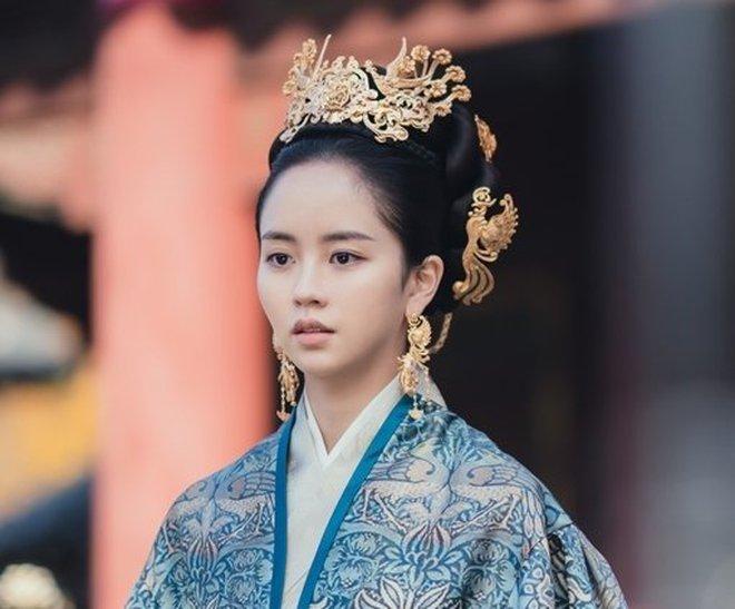Sông Đón Trăng Lên toang nặng vì phốt bắt nạt của Ji Soo, khán giả bày cách cứu Kim So Hyun - ảnh 2
