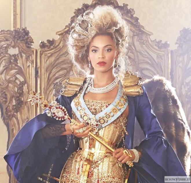 Sao nào sở hữu thẻ đen quyền lực nhất thế giới? Vợ chồng Kim siêu vòng 3 cân cả showbiz, tên tuổi ít nổi mà tài sản nghìn tỷ - ảnh 4