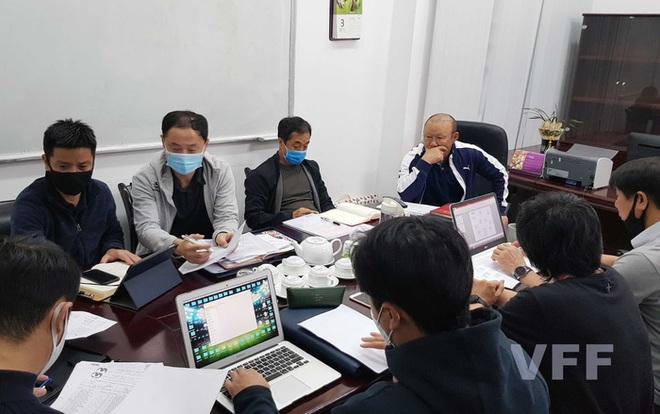 Thái Lan thiếu tiền, HLV Park Hang-seo tìm ngay địa điểm giống UAE để rèn quân cho vòng loại World Cup - ảnh 1