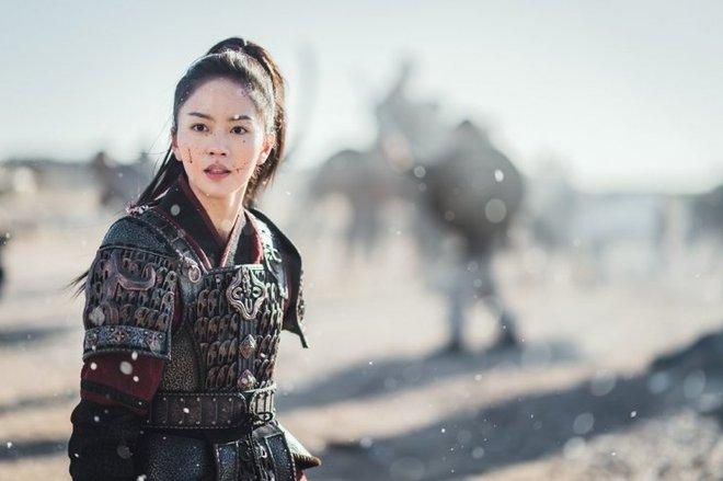 Sông Đón Trăng Lên toang nặng vì phốt bắt nạt của Ji Soo, khán giả bày cách cứu Kim So Hyun - ảnh 3