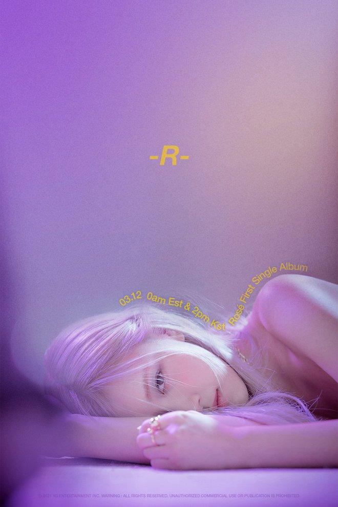 Rosé (BLACKPINK) tung poster mới hé lộ tên single album đầu tay, có đúng một chữ cụt lủn đơn giản mà độc! - ảnh 1