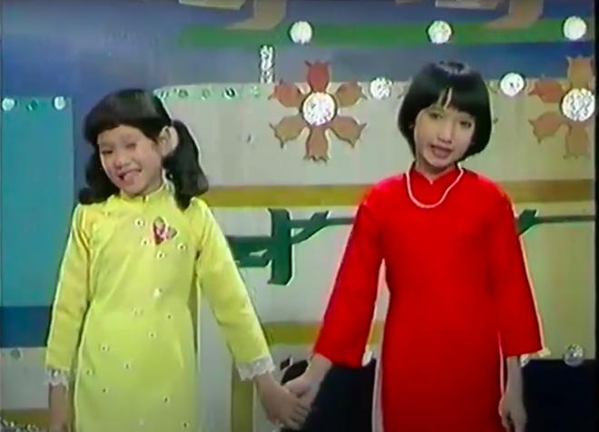 Từ hai bé vàng đỏ nắm tay nhau hát Mừng Xuân Mới, nay đã thành NSND Hồng Vân và NSND Lê Khanh đi xem Gái Già Lắm Chiêu V? - Ảnh 3.