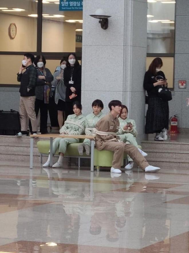 Netizen đồn nhau kết cục Penthouse 2: Ju Dan Tae tự tử, hội Hera lũ lượt ăn cơm tù? 002