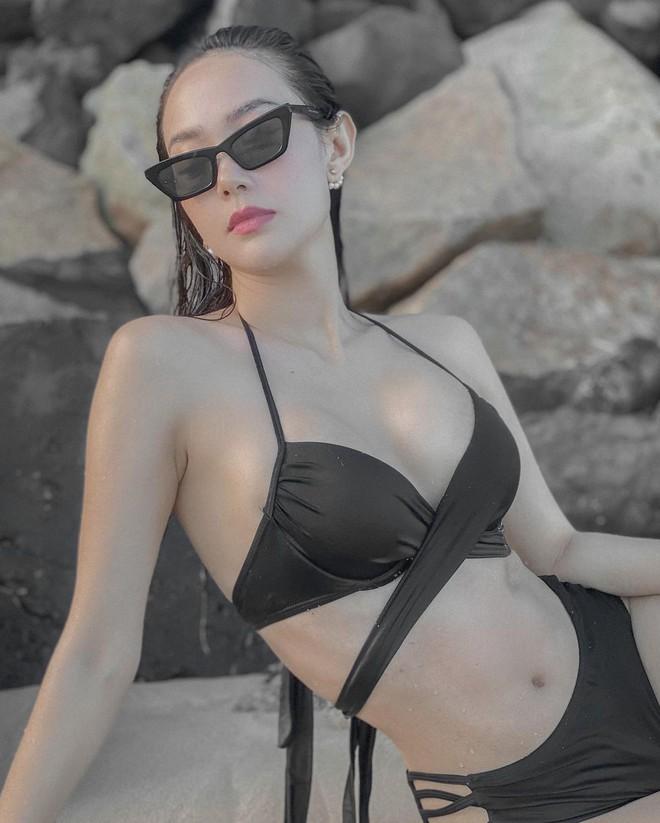 Lâu lắm mới thấy Minh Hằng diện bikini cut-out chằng chịt, khoe vòng 1 ngộp thở thế này thì ai làm lại? - ảnh 2