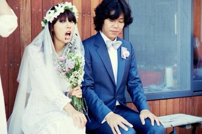 Chuyện làm dâu của Lee Hyori: Sexy, nổi loạn như nữ hoàng gợi cảm liệu có được lòng mẹ chồng? - ảnh 4