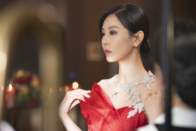 Rộ loạt tin đồn về Penthouse 2: Người chết thảm là Seok Kyung, Ro Na chỉ ngã cầu thang? - ảnh 5