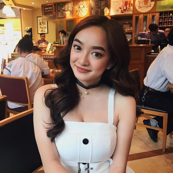 Hành trình nhan sắc của Kaity Nguyễn: Từ hotgirl ngực khủng đến ngọc nữ, lột xác ngoạn mục nhờ hút mỡ vòng 1 và giảm 9kg - ảnh 26