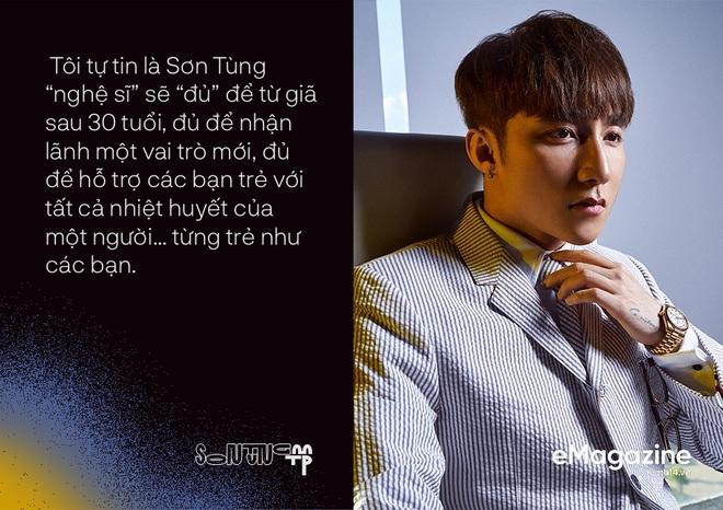 """Nhìn """"anh Ba"""" Ngọc Sơn nhảy shuffle, dân mạng chỉ biết thốt lên: """"Bảo sao Sơn Tùng nghỉ hát ở tuổi 30"""" - ảnh 4"""