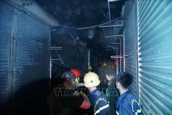 Điện Biên: Cháy lớn thiêu rụi nhiều ki ốt ở Chợ Noong Bua - ảnh 2