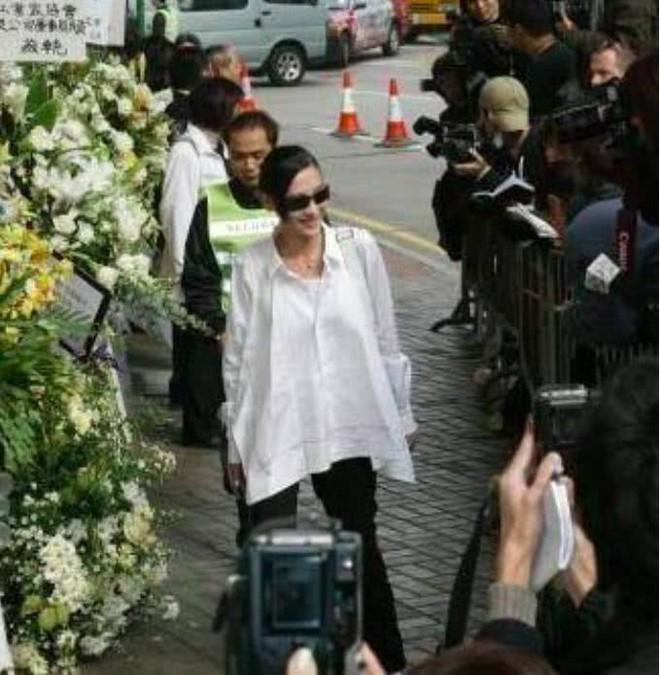 Trương Bá Chi: Ngọc nữ đẹp nhất Hong Kong ăn chơi trác táng, thi phi bủa vây vì cuộc tình 2 thập kỷ với Tạ Đình Phong - ảnh 18