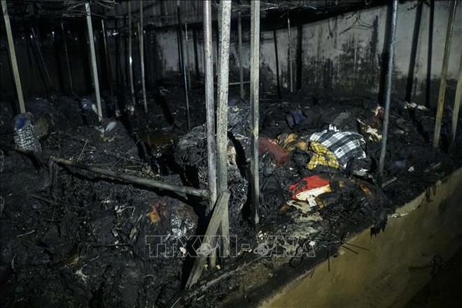 Điện Biên: Cháy lớn thiêu rụi nhiều ki ốt ở Chợ Noong Bua - ảnh 3