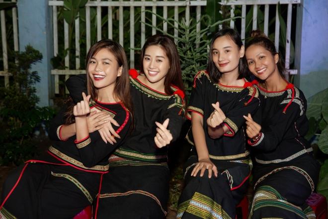 H'Hen Niê đăng hình cũ mừng sinh nhật Mâu Thủy: Cô PG năm nào đã trở thành Hoa hậu đình đám bậc nhất Việt Nam - ảnh 7