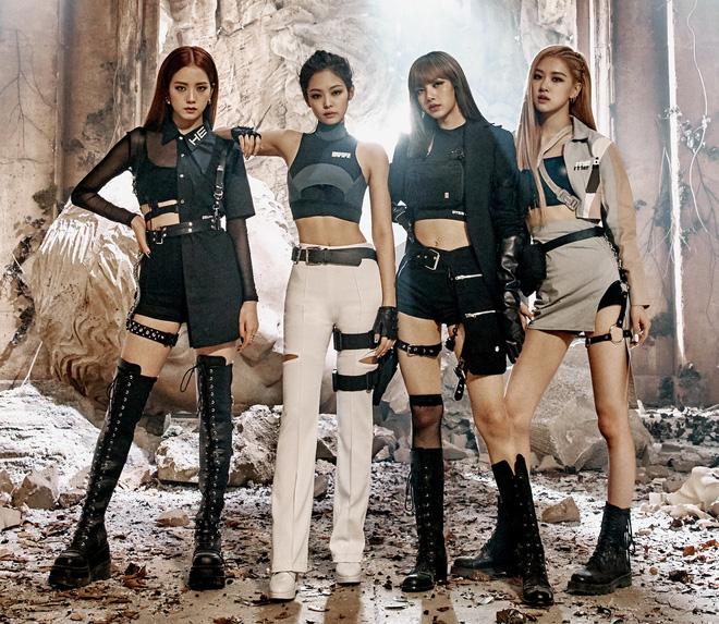 """Khi 4 nàng BLACKPINK đụng 1 kiểu boots: Trông ai cũng """"chiến"""", riêng Jisoo có chiêu hack dáng độc - Ảnh 5."""