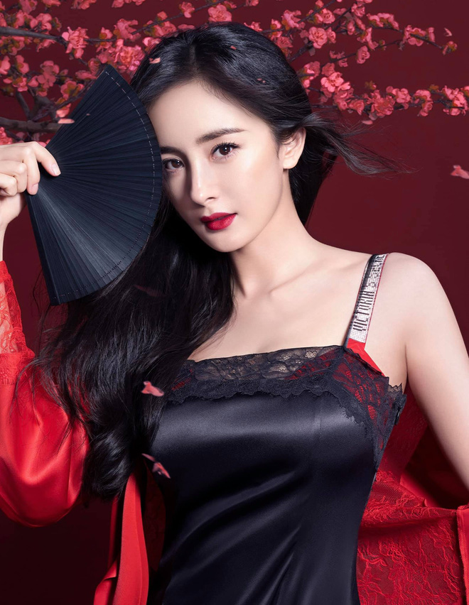 Dương Mịch nói thời đi học không một ai theo đuổi cô, nhìn ảnh năm xưa netizen mới vỡ lẽ lý do - ảnh 4