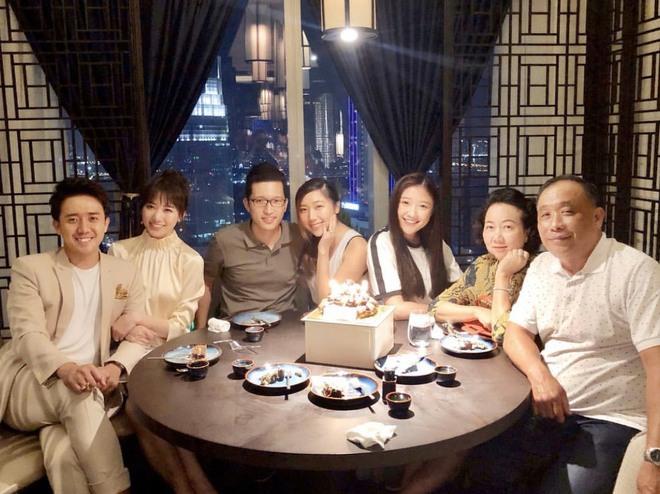 Trấn Thành chia sẻ xúc động về ba sau khi chiếu Bố Già, con dâu Hari Won cũng khoe ngay tin nhắn riêng với bố chồng dài như sớ - ảnh 5