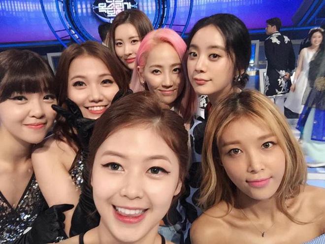 Trước Taeyeon bản Việt, từng có 1 nhóm nhạc Vpop gây náo loạn show âm nhạc Hàn Quốc khiến Wonder Girls phải liên tục xin lỗi - ảnh 2
