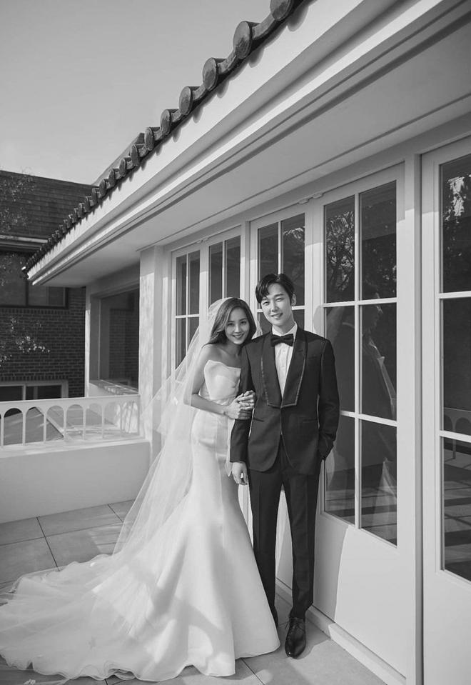 Bộ ba nữ chính Penthouse diện váy cưới: Tiểu tam lồng lộn hết cỡ nhưng có đánh bại được sự tinh tế của bà cả Lee Ji Ah? - ảnh 11