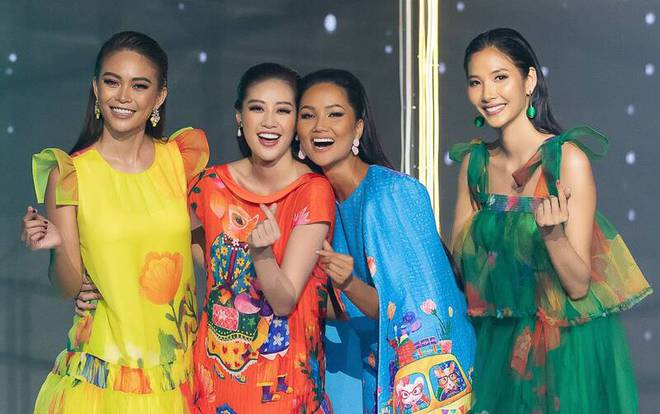 H'Hen Niê đăng hình cũ mừng sinh nhật Mâu Thủy: Cô PG năm nào đã trở thành Hoa hậu đình đám bậc nhất Việt Nam - ảnh 8