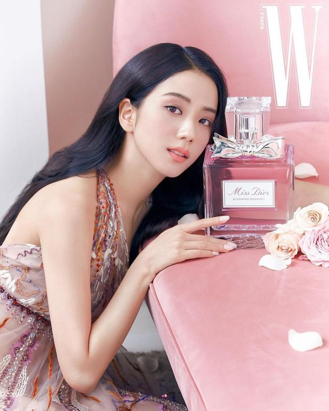 Hành trình của Jisoo tại Dior: Từng được cho là mờ nhạt, dần phủ sóng loạt cover tạp chí và trở thành cây Dior sống - ảnh 15