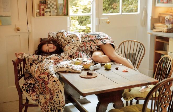 Hành trình của Jisoo tại Dior: Từng được cho là mờ nhạt, dần phủ sóng loạt cover tạp chí và trở thành cây Dior sống - ảnh 9