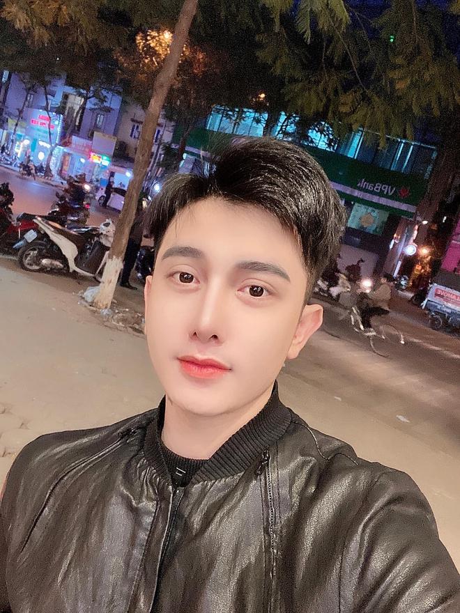 Hành trình lột xác gây chấn động báo Anh của chàng trai Hưng Yên, 25 tuổi đã trải qua hơn 20 lần PTTM khiến cả họ không nhận ra - ảnh 7