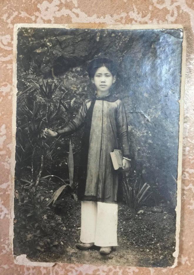 """Gặp cụ bà 100 tuổi ở Hà Nội gây sốt bởi nhan sắc trong đám cưới thời trẻ: Sinh ra tại Pháp, từng được mệnh danh là """"hoa khôi của vùng"""" - Ảnh 1."""