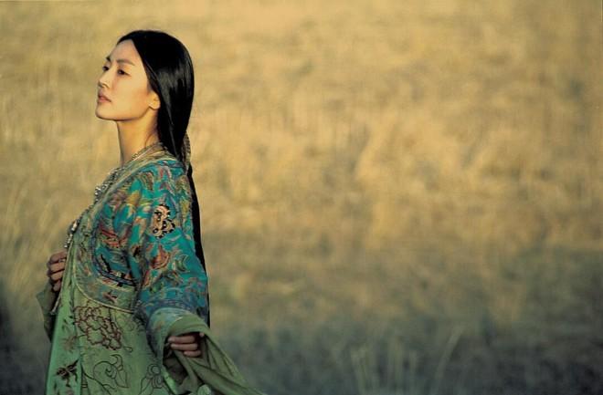 Chuyện tình ác nữ Penthouse Kim So Yeon và tài tử hiền lành: Từ màn mượn rượu tỏ tình có 1-0-2 trong lịch sử đến cuộc hôn nhân vàng của châu Á - ảnh 3