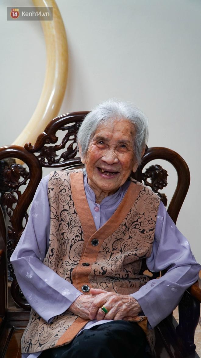 """Gặp cụ bà 100 tuổi ở Hà Nội gây sốt bởi nhan sắc trong đám cưới thời trẻ: Sinh ra tại Pháp, từng được mệnh danh là """"hoa khôi của vùng"""" - Ảnh 4."""