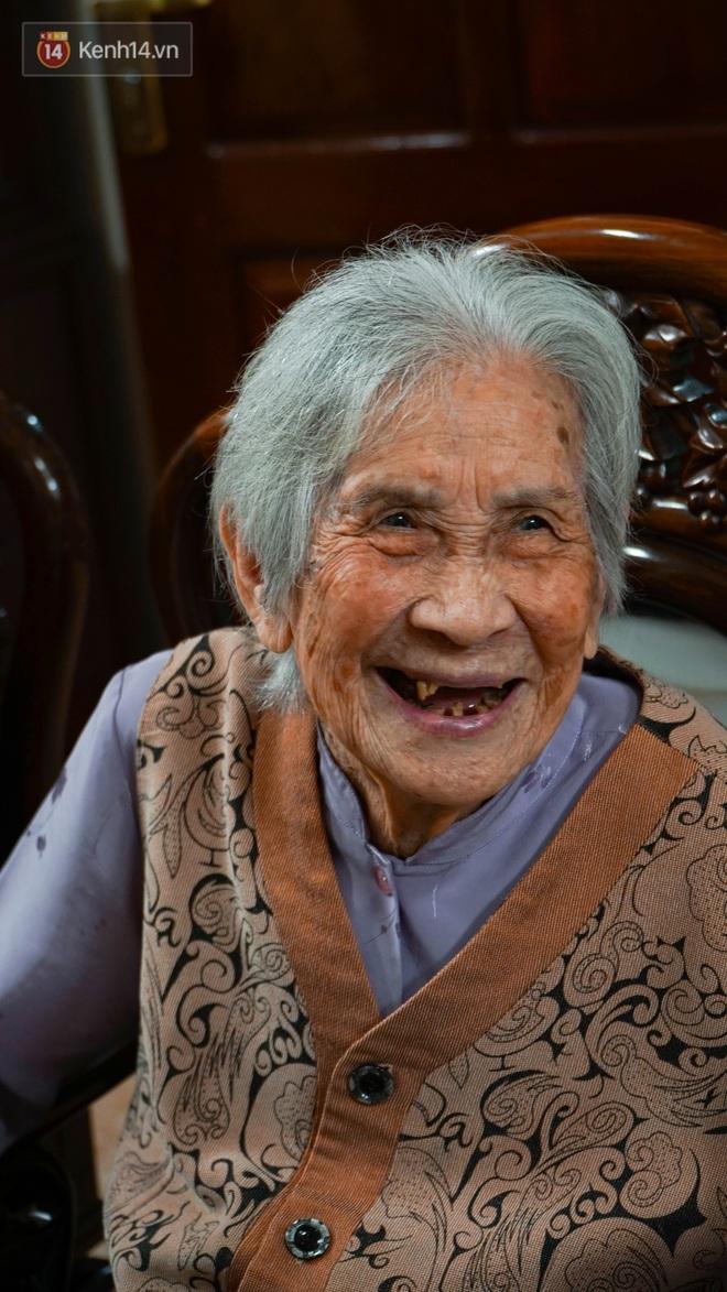 """Gặp cụ bà 100 tuổi ở Hà Nội gây sốt bởi nhan sắc trong đám cưới thời trẻ: Sinh ra tại Pháp, từng được mệnh danh là """"hoa khôi của vùng"""" - Ảnh 5."""