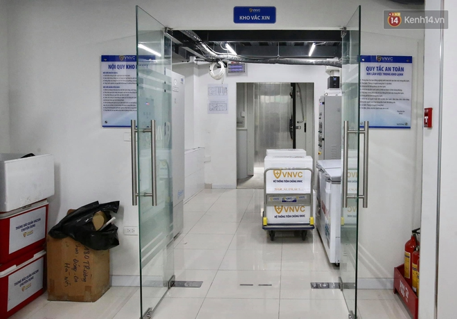 Cập nhật: Những người đầu tiên tại Hà Nội và TP.HCM được tiêm vaccine phòng Covid-19 - ảnh 5