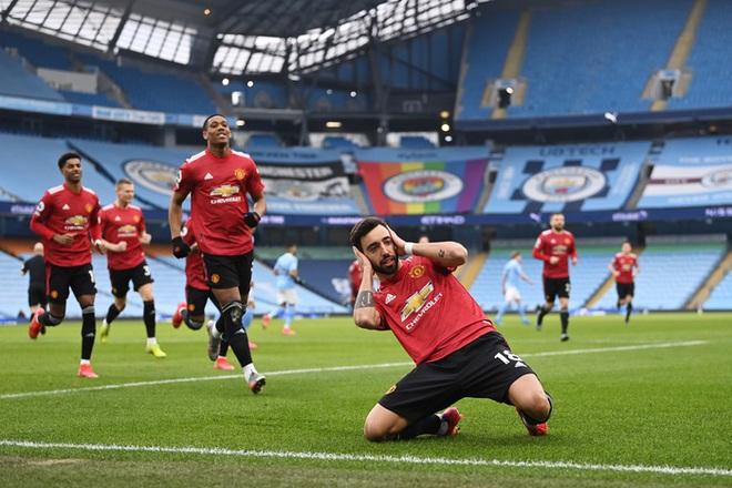 MU đá trận hay nhất từ đầu mùa, chấm dứt chuỗi 21 trận toàn thắng của Man City - ảnh 2