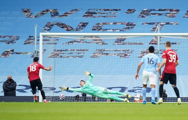 MU đá trận hay nhất từ đầu mùa, chấm dứt chuỗi 21 trận toàn thắng của Man City - ảnh 4