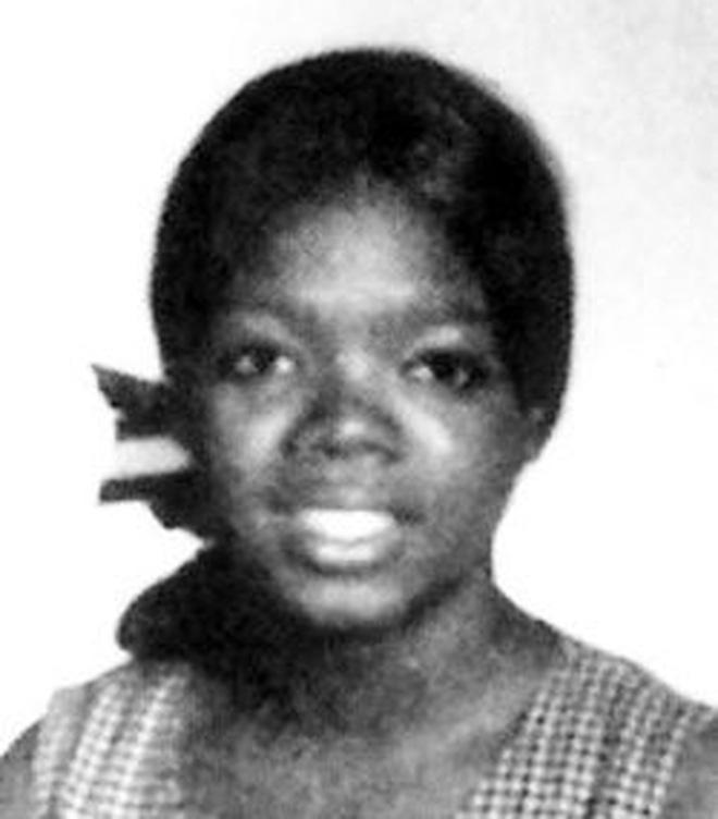 8/3 kể chuyện người phụ nữ có sức ảnh hưởng nhất hành tinh Oprah Winfrey: 14 tuổi mang thai vì bị lạm dụng tình dục, đạp lên vũng bùn đứng dậy tỏa ánh hào quang - ảnh 5