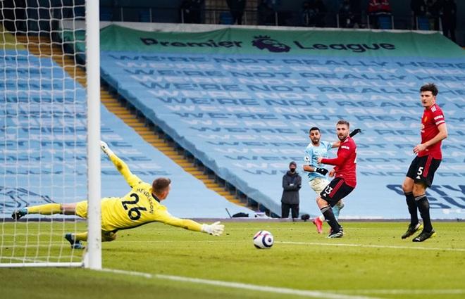 MU đá trận hay nhất từ đầu mùa, chấm dứt chuỗi 21 trận toàn thắng của Man City - ảnh 6