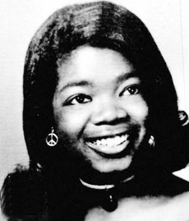 8/3 kể chuyện người phụ nữ có sức ảnh hưởng nhất hành tinh Oprah Winfrey: 14 tuổi mang thai vì bị lạm dụng tình dục, đạp lên vũng bùn đứng dậy tỏa ánh hào quang - ảnh 7