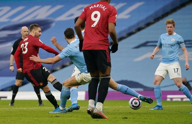 MU đá trận hay nhất từ đầu mùa, chấm dứt chuỗi 21 trận toàn thắng của Man City - ảnh 8