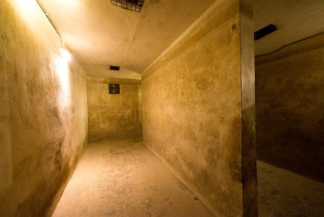 Bí ẩn Metropole Hà Nội - khách sạn 5 sao vừa tròn 120 tuổi: Ghi dấu chân toàn nhân vật nổi tiếng, cứ 3 đồng doanh thu nhận về 1 đồng lãi, có cả hầm tránh bom - Ảnh 3.
