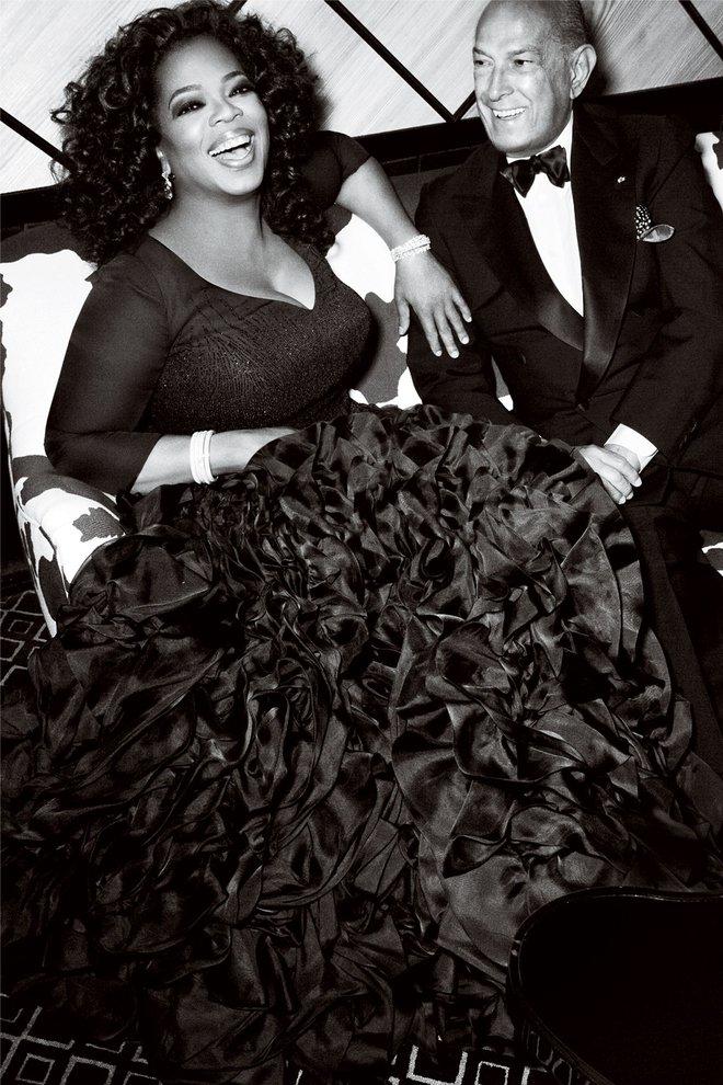 8/3 kể chuyện người phụ nữ có sức ảnh hưởng nhất hành tinh Oprah Winfrey: 14 tuổi mang thai vì bị lạm dụng tình dục, đạp lên vũng bùn đứng dậy tỏa ánh hào quang - ảnh 9