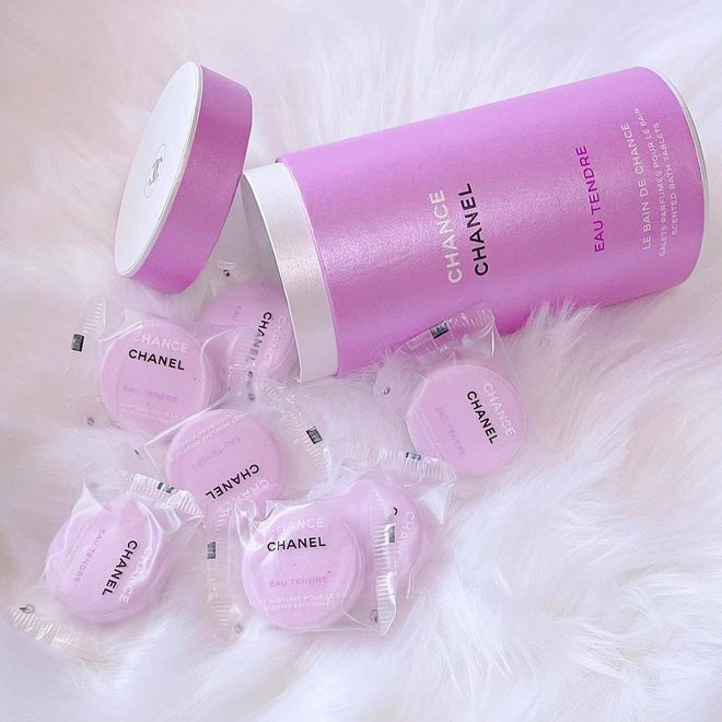 Chanel ra mắt viên tắm màu hồng siêu xinh giá 160k/viên, mỗi tội chỉ bán ở Nhật - ảnh 4