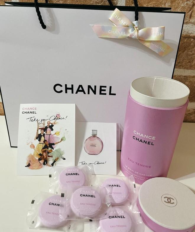 Chanel ra mắt viên tắm màu hồng siêu xinh giá 160k/viên, mỗi tội chỉ bán ở Nhật - ảnh 3