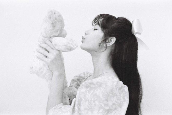 """""""Cao tay"""" như idol Kpop: Chỉ cần chun buộc và vài thao tác đơn giản là mái tóc tẻ nhạt bỗng đẹp lạ thường - Ảnh 5."""