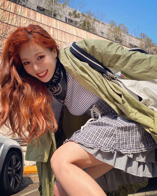 """""""Cao tay"""" như idol Kpop: Chỉ cần chun buộc và vài thao tác đơn giản là mái tóc tẻ nhạt bỗng đẹp lạ thường - Ảnh 3."""