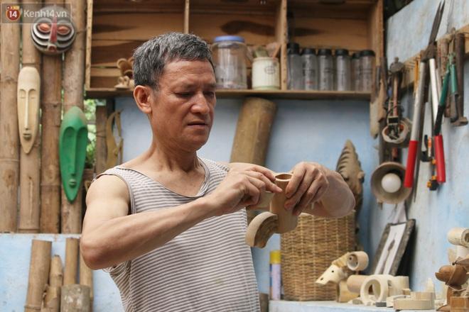 Về hưu sau thời gian làm thiết kế tại Đài truyền hình Việt Nam, người họa sĩ già hô biến tre thành món quà tặng trẻ thơ - ảnh 1