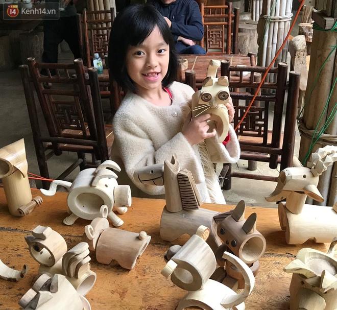 Về hưu sau thời gian làm thiết kế tại Đài truyền hình Việt Nam, người họa sĩ già hô biến tre thành món quà tặng trẻ thơ - ảnh 10