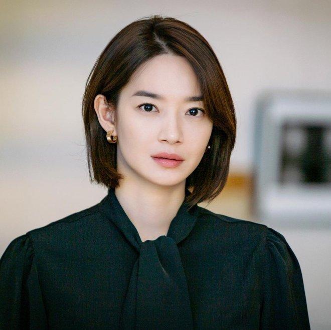 Mặt tròn khác biệt, bạn gái tài tử Woo Bin đã để 4 kiểu tóc này để nhan sắc luôn đẹp đỉnh cao - ảnh 2